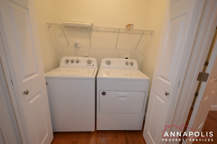 409-serpentine-road-id1083-washer-and-dryer(1)