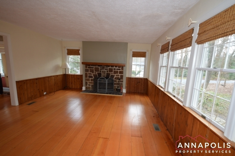 307-old-county-road-id1060-living-an