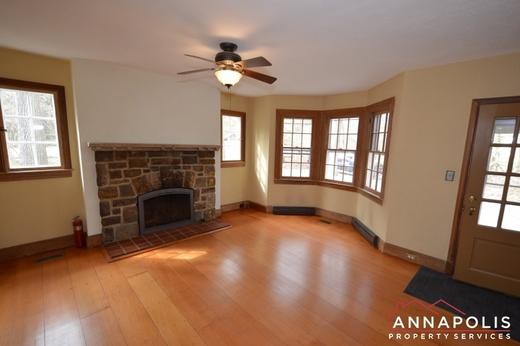 307-old-county-road-id1060-family-room-an