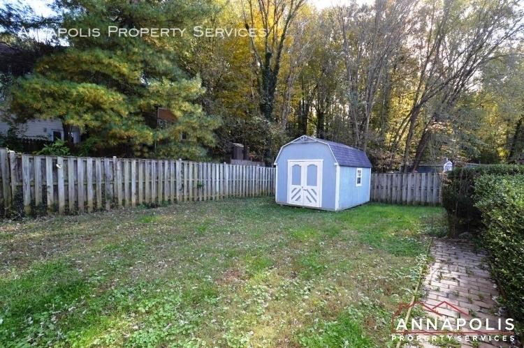 1505 hickory wood drive id266 back yard an