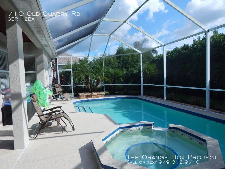 Pool_and_backyard