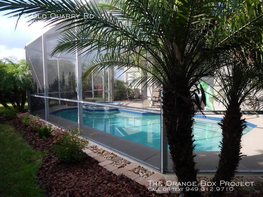 Pool_and_back_yard