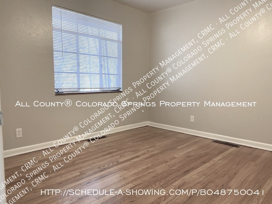 1_bedroom__1_bath_condo_for_rent_on_colorado_springs_west_side_near_fort_carson_military_base-bedroom
