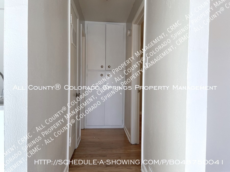 1_bedroom__1_bath_condo_for_rent_on_colorado_springs_west_side_near_fort_carson_military_base-hallway