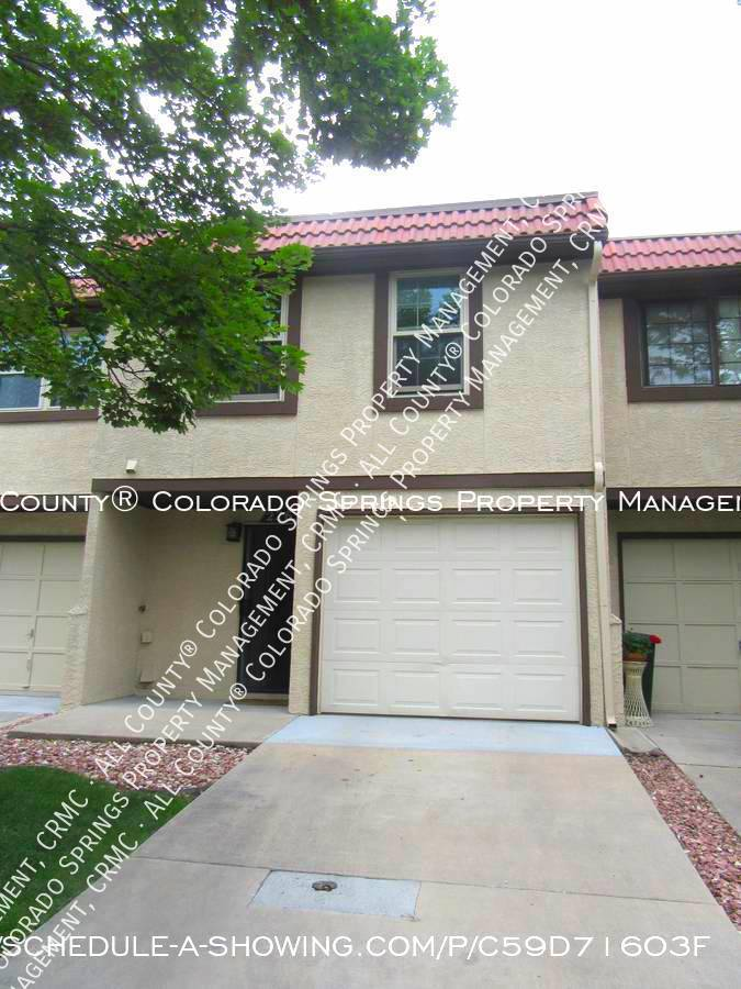 3-bedroom_townhome_for_rent_near_mountains_and_cheyenne_mountain_air_force_station-front