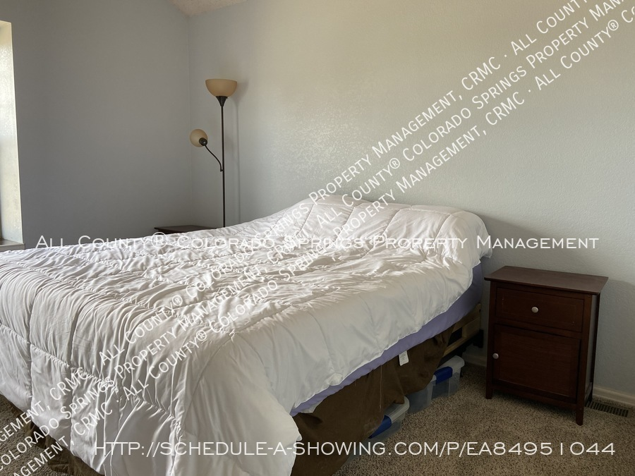 Rockrimmon_3-bedroom_townhome_for_rent_near_us_air_force_academy-40