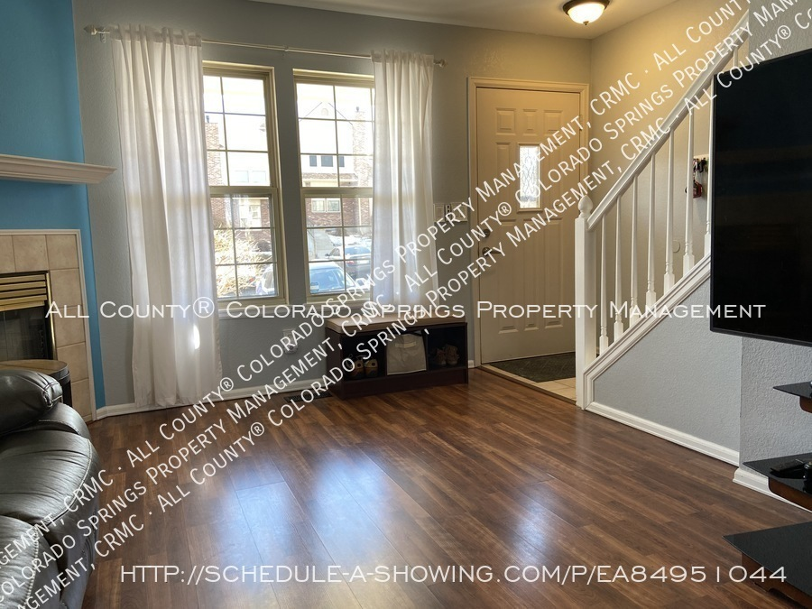 Rockrimmon_3-bedroom_townhome_for_rent_near_us_air_force_academy-29