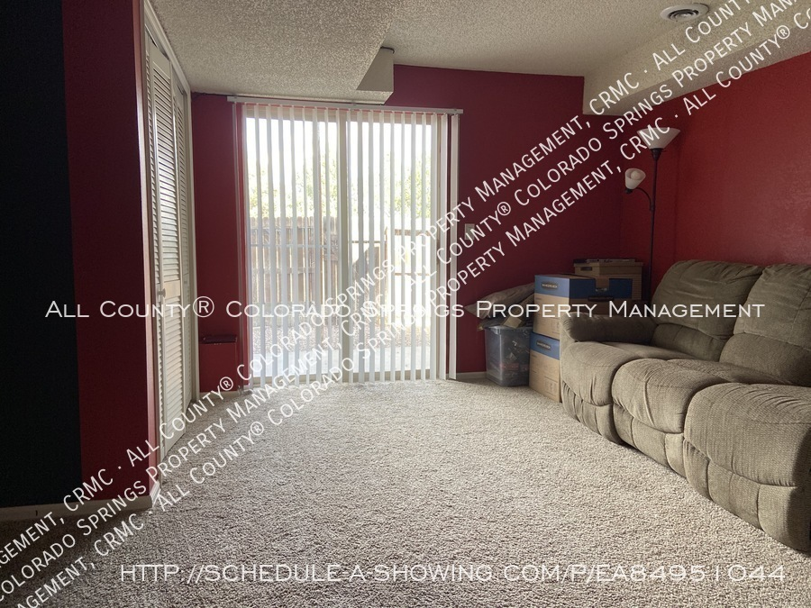 Rockrimmon_3-bedroom_townhome_for_rent_near_us_air_force_academy-31