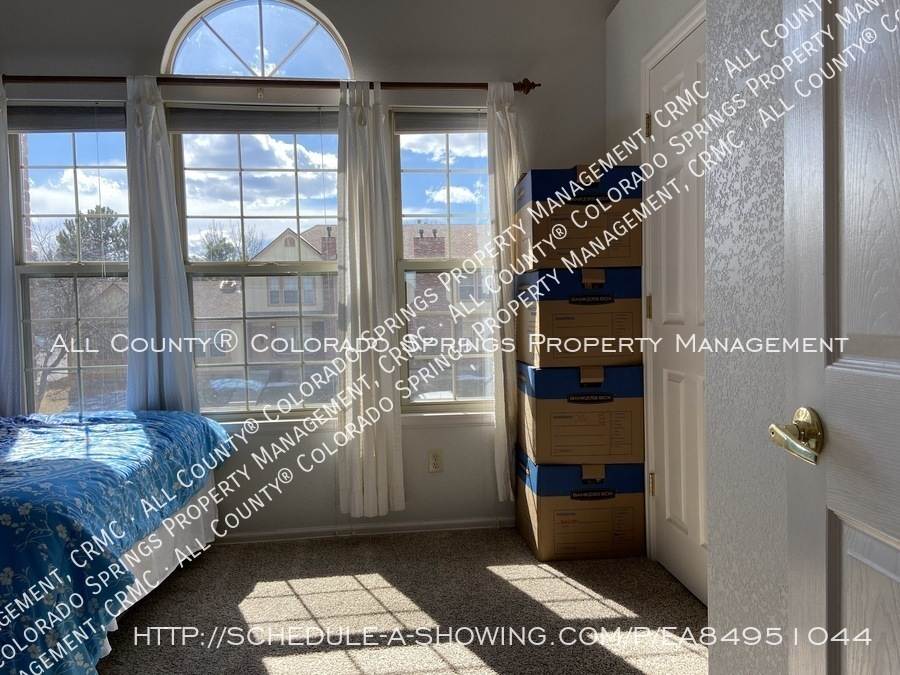 Rockrimmon_3-bedroom_townhome_for_rent_near_us_air_force_academy-34
