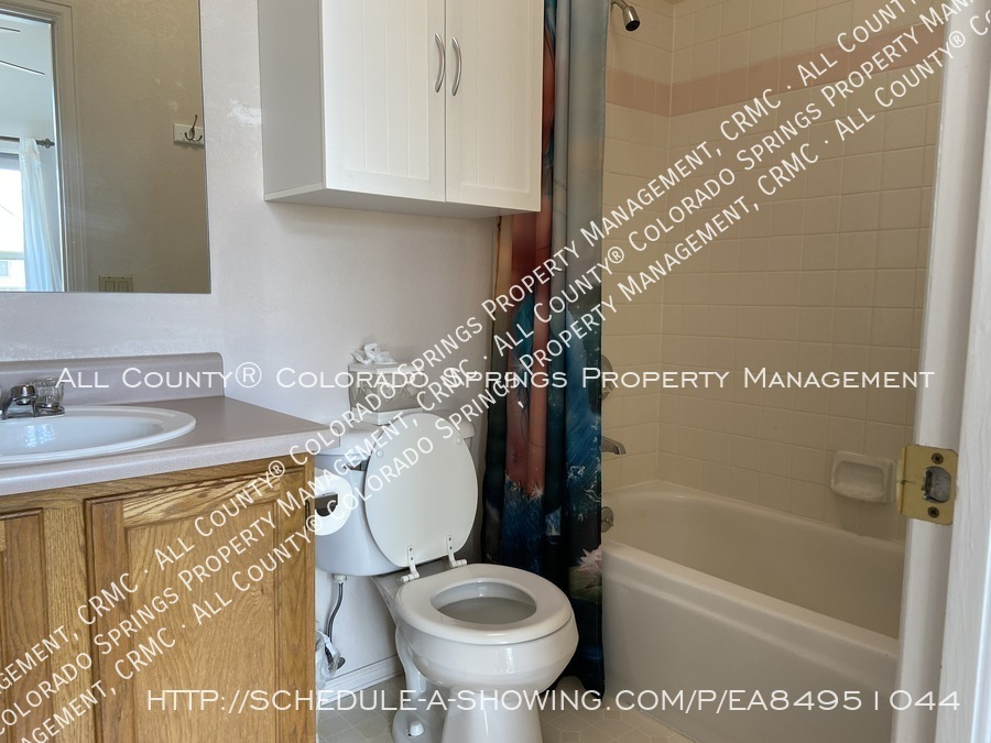 Rockrimmon_3-bedroom_townhome_for_rent_near_us_air_force_academy-36