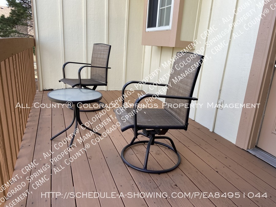 Rockrimmon_3-bedroom_townhome_for_rent_near_us_air_force_academy-22