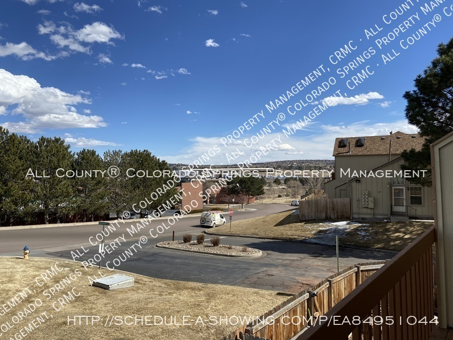 Rockrimmon_3-bedroom_townhome_for_rent_near_us_air_force_academy-23