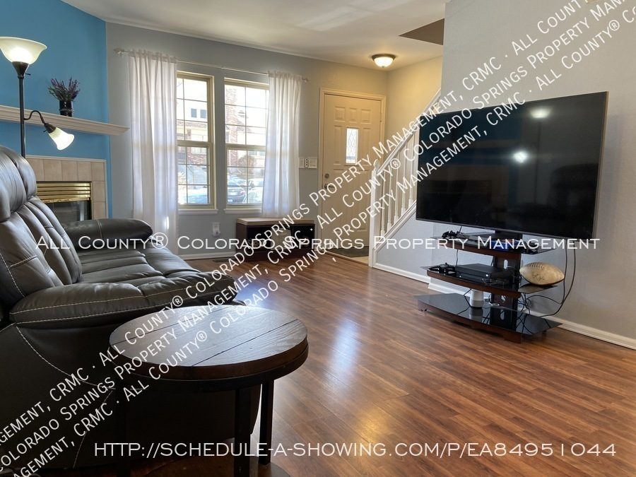 Rockrimmon_3-bedroom_townhome_for_rent_near_us_air_force_academy-26