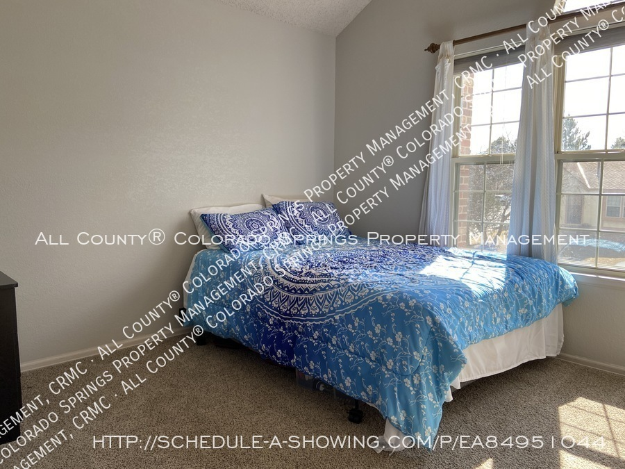 Rockrimmon_3-bedroom_townhome_for_rent_near_us_air_force_academy-06