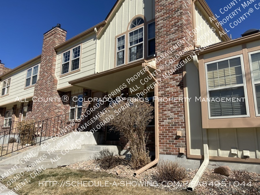 Rockrimmon_3-bedroom_townhome_for_rent_near_us_air_force_academy-18