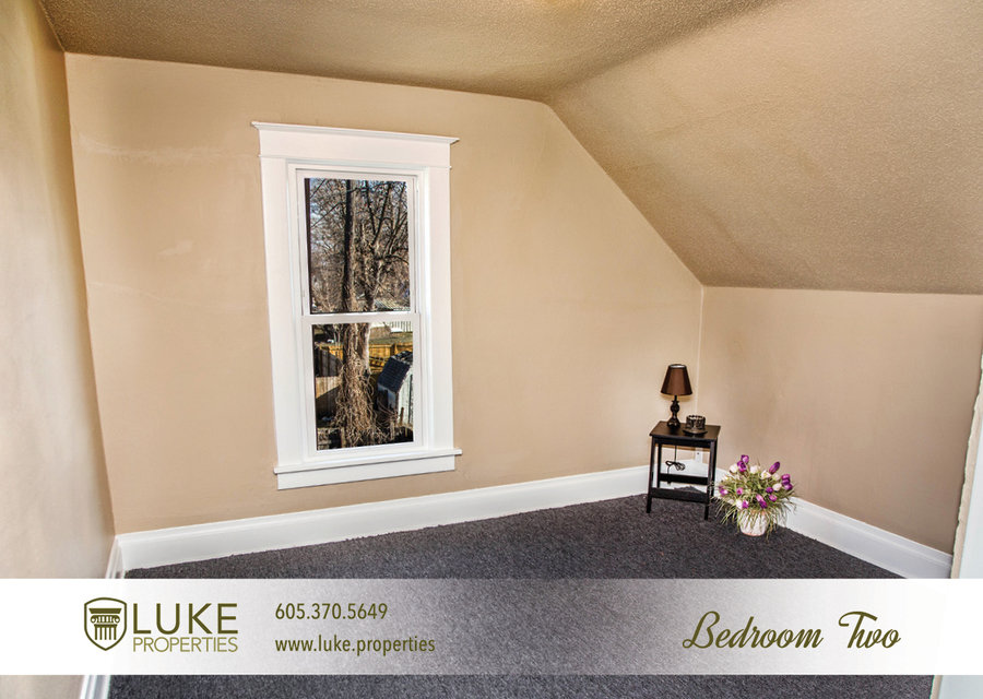 Complete media luke properties 806 e 6th st 57103 sioux falls home for rent 7