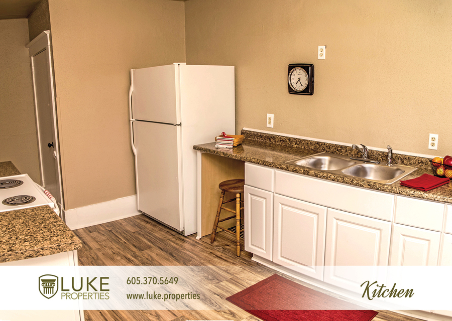 Complete media luke properties 806 e 6th st 57103 sioux falls home for rent 5