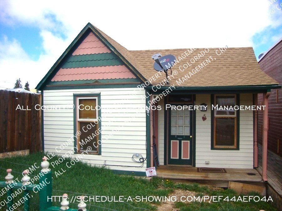 Victorian-style_cripple_creek_home_for_rent-front