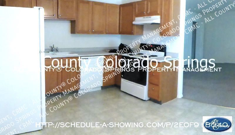 2-bedroom_pueblo_west_apartment_for_rent-5