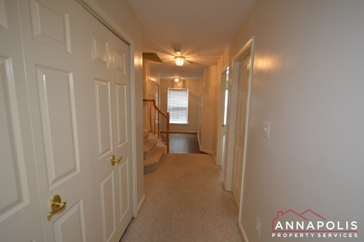 537-samuel-chase-way-id173-lower-hallway-cnn