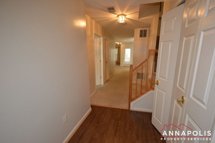 537-samuel-chase-way-id173-lower-hallway-ann