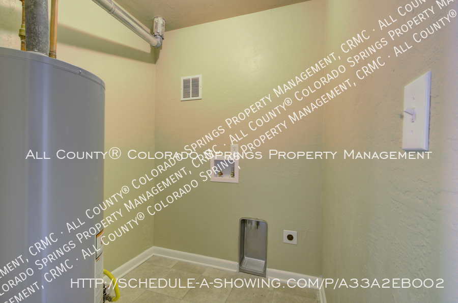 3-bedroom_home_for_rent_downtown_near_colorado_college_and_us_olympic_training_center-22