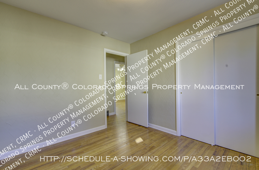 3-bedroom_home_for_rent_downtown_near_colorado_college_and_us_olympic_training_center-16
