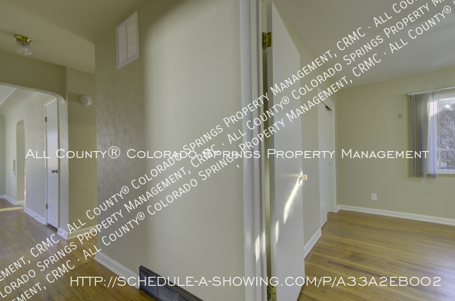 3-bedroom_home_for_rent_downtown_near_colorado_college_and_us_olympic_training_center-17