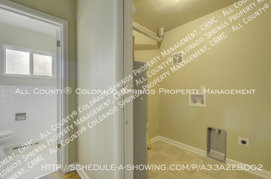 3-bedroom_home_for_rent_downtown_near_colorado_college_and_us_olympic_training_center-19