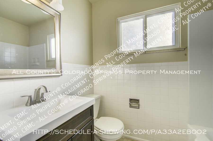 3-bedroom_home_for_rent_downtown_near_colorado_college_and_us_olympic_training_center-20