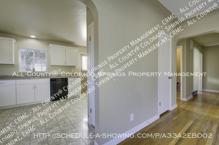 3-bedroom_home_for_rent_downtown_near_colorado_college_and_us_olympic_training_center-4