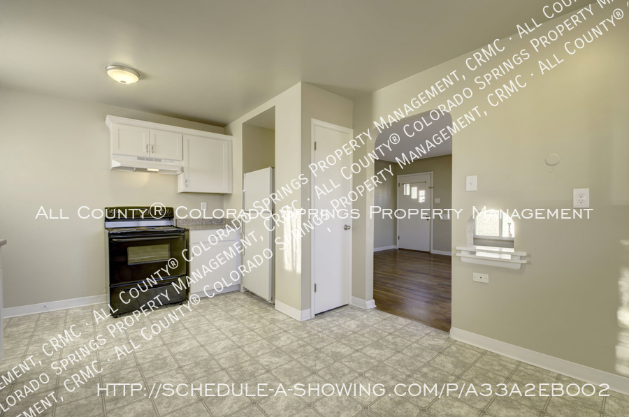 3-bedroom_home_for_rent_downtown_near_colorado_college_and_us_olympic_training_center-6