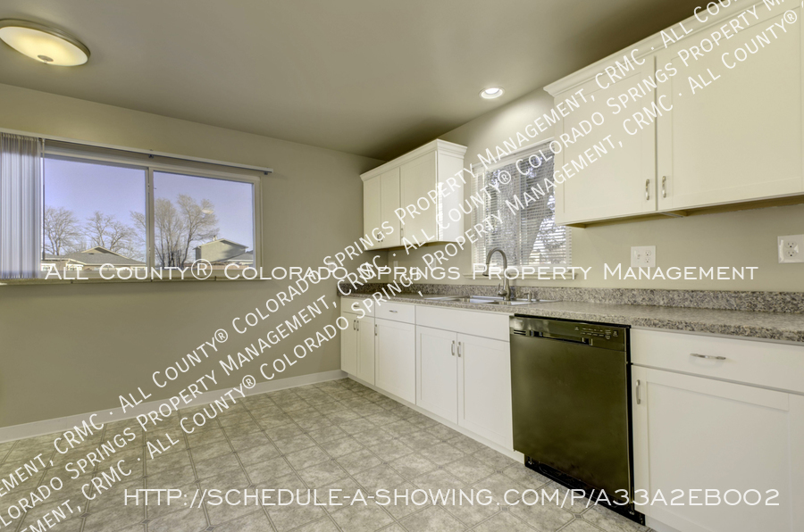 3-bedroom_home_for_rent_downtown_near_colorado_college_and_us_olympic_training_center-7