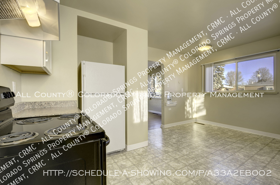 3-bedroom_home_for_rent_downtown_near_colorado_college_and_us_olympic_training_center-8