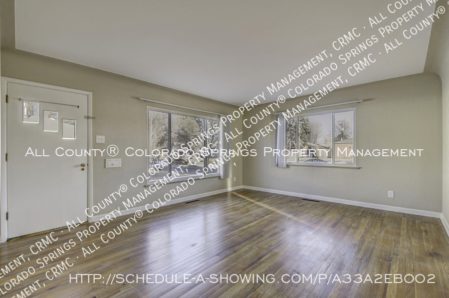 3-bedroom_home_for_rent_downtown_near_colorado_college_and_us_olympic_training_center-13