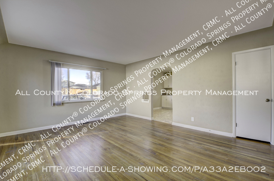 3-bedroom_home_for_rent_downtown_near_colorado_college_and_us_olympic_training_center-14