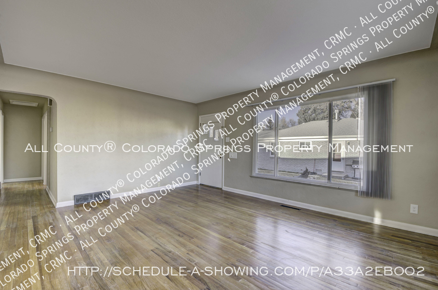 3-bedroom_home_for_rent_downtown_near_colorado_college_and_us_olympic_training_center-10