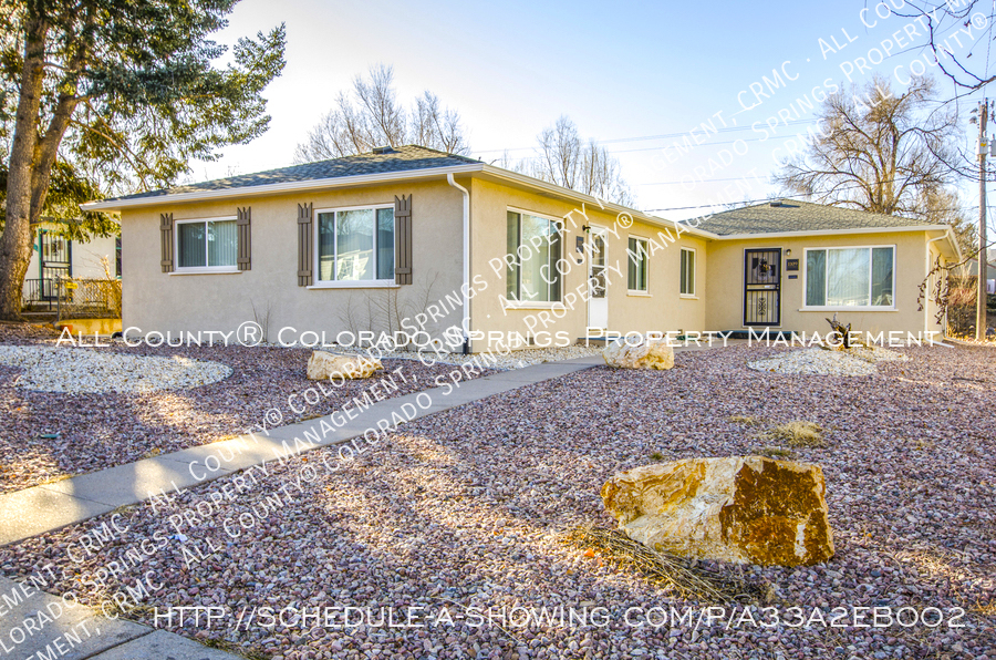 3-bedroom_home_for_rent_downtown_near_colorado_college_and_us_olympic_training_center-26