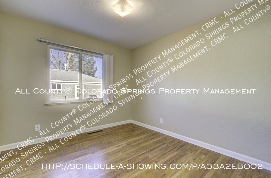 3-bedroom_home_for_rent_downtown_near_colorado_college_and_us_olympic_training_center-24