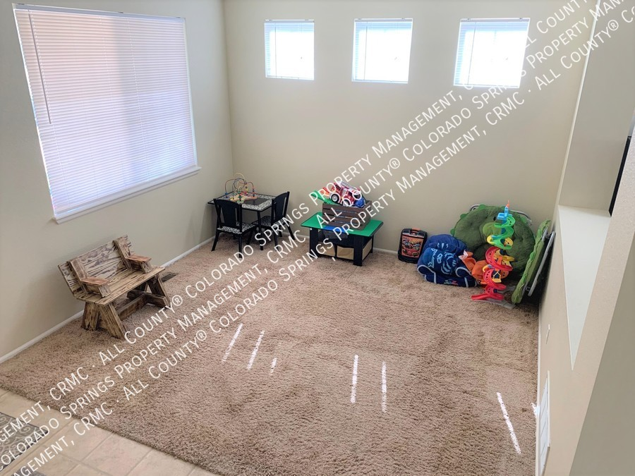 Entry_room-playroom