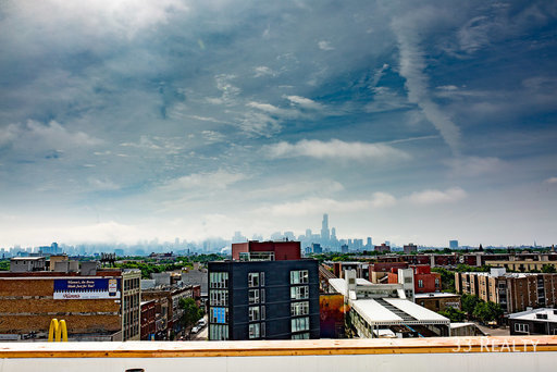 Am1980 roof view