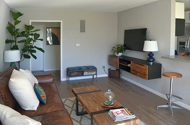 Living room 002