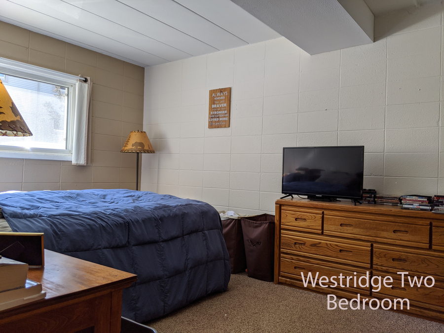 Wr 2 bdr bedroom