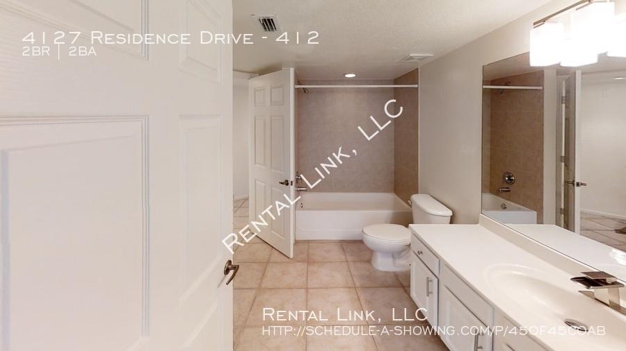 4127-residence-drive-bathroom%281%29