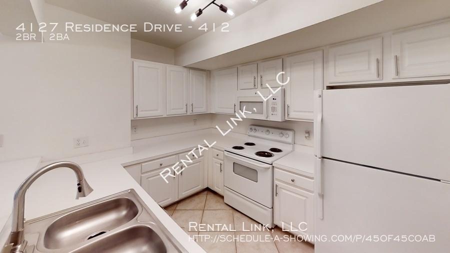 4127-residence-drive-kitchen
