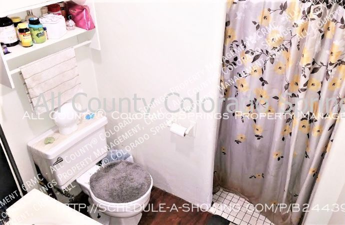 2_bedroom_apartment_for_rent_near_memorial_park_and_colorado_college_cc-7