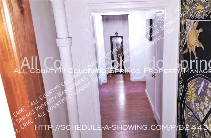 2_bedroom_apartment_for_rent_near_memorial_park_and_colorado_college_cc-8
