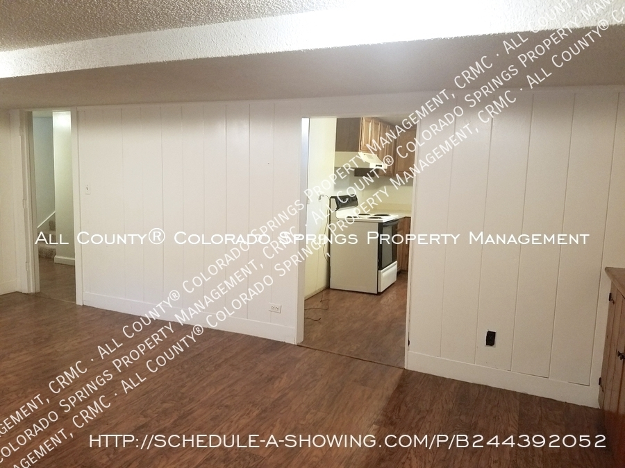 2_bedroom_apartment_for_rent_near_memorial_park_and_colorado_college_cc-1