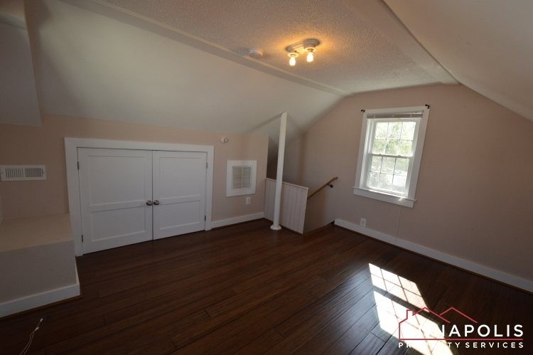 1201-west-street-b-id1094-upper-bedroom-b