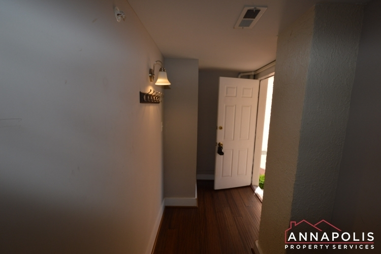 1201-west-street-b-id1094-lower-hallway